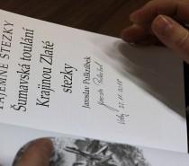 Jaroslav Pulkrábek křtil ve Volarech knihu Šumavské toulání …